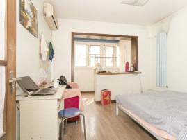 榆苑公寓 南北通透三居室 带电梯 双卧室朝南 年代新 看房方便