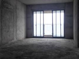 楼层好,视野广,**房出售,金湾雅苑 110万 3室2厅2卫 毛坯